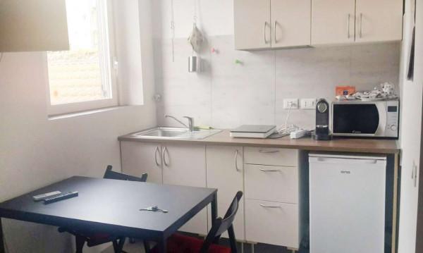 Appartamento in affitto a Milano, Lima, Arredato, 25 mq