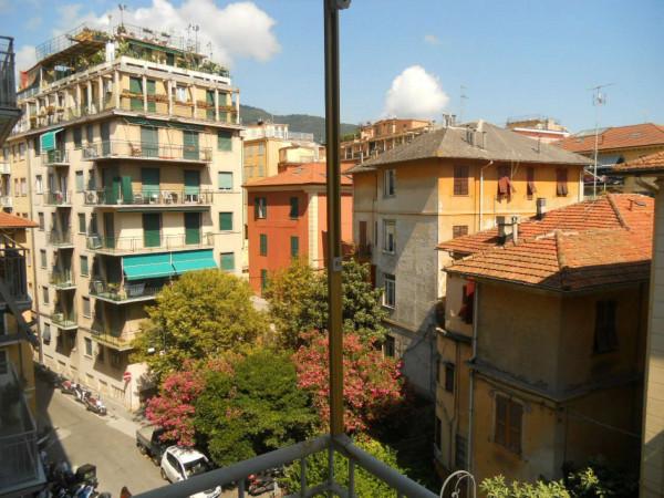 Appartamento in vendita a Rapallo, Centro Città, 65 mq