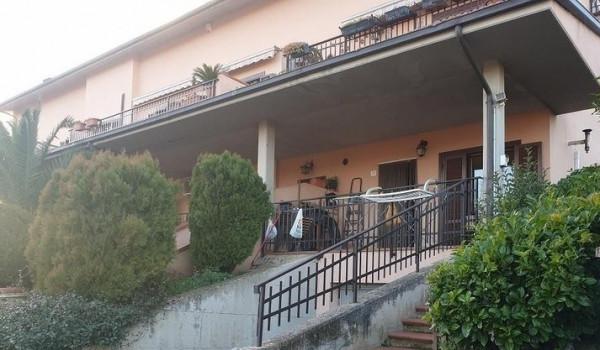 Appartamento in vendita a Perugia, Villa Pitignano, Con giardino, 70 mq