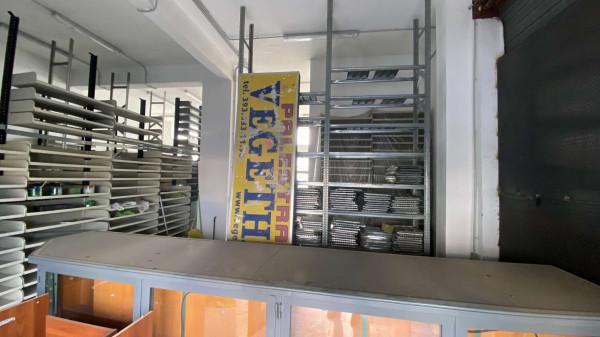 Locale Commerciale  in affitto a Pollena Trocchia, Centrale, 120 mq