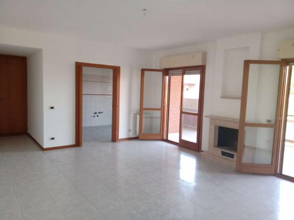 Appartamento in affitto a Roma, Acilia, Con giardino, 120 mq