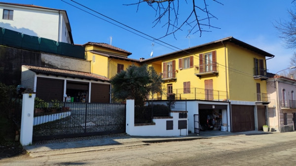 Appartamento in vendita a Portacomaro, Centro, Con giardino, 95 mq