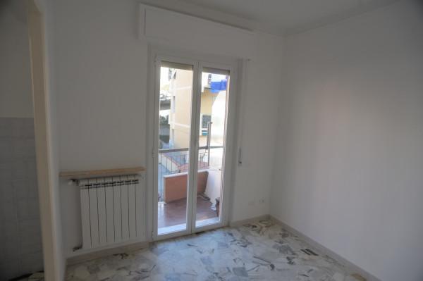 Bilocale in vendita a Genova, Genova Pra Palmaro, 50 mq - Foto 3
