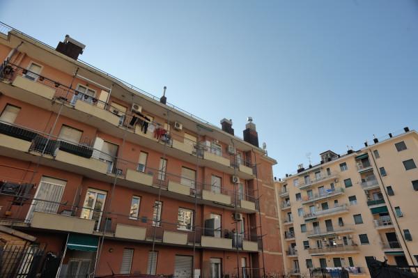 Bilocale in vendita a Genova, Genova Pra Palmaro, 50 mq