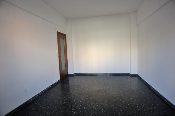 Bilocale in vendita a Genova, Genova Pra Palmaro, 50 mq - Foto 8