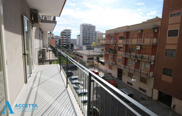 Appartamento in vendita a Taranto, Rione Italia, Montegranaro, 103 mq - Foto 5
