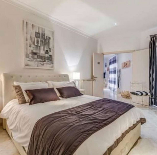 Appartamento in affitto a Roma, Via Vittorio Veneto, Arredato, 130 mq
