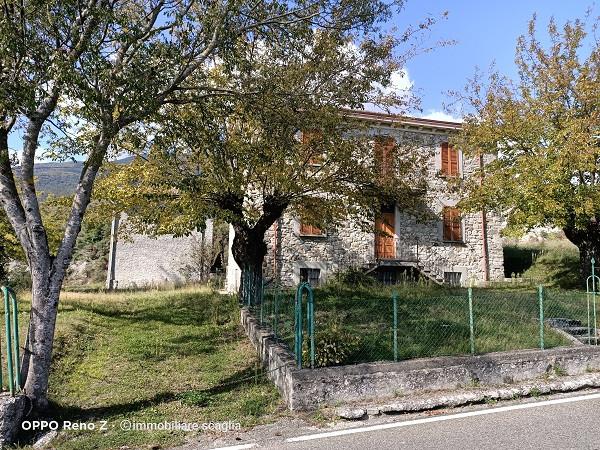 Rustico/Casale in vendita a Bobbio, Campore, Con giardino, 265 mq - Foto 1