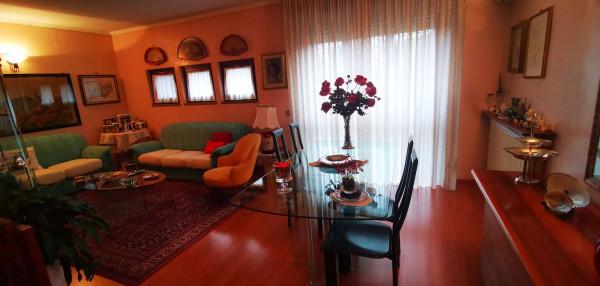 Villa in vendita a Spino d'Adda, Residenziale, Con giardino, 213 mq