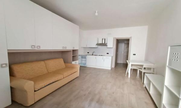Appartamento in affitto a Milano, Lorenteggio, Arredato, 30 mq