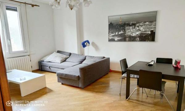 Appartamento in affitto a Milano, Isola, Arredato, 55 mq