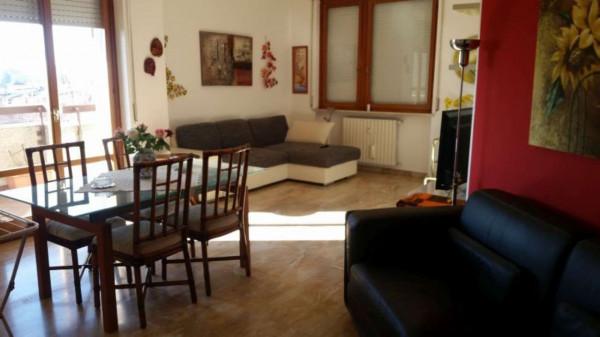 Appartamento in affitto a Caronno Pertusella, 100 mq