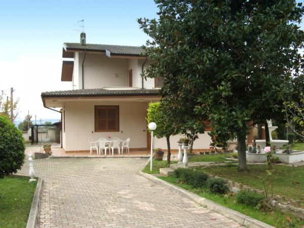Villa in vendita a Collecorvino, Centro, Con giardino, 302 mq - Foto 2
