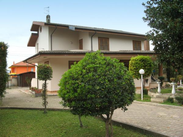 Villa in vendita a Collecorvino, Centro, Con giardino, 302 mq - Foto 1
