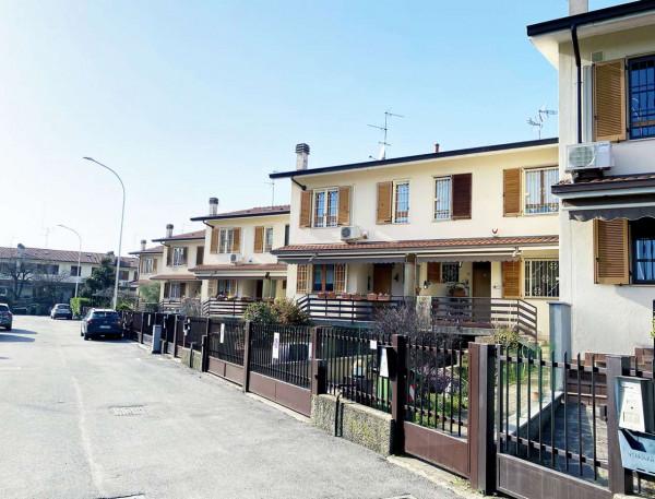 Villetta a schiera in vendita a Rodano, Con giardino, 160 mq - Foto 1
