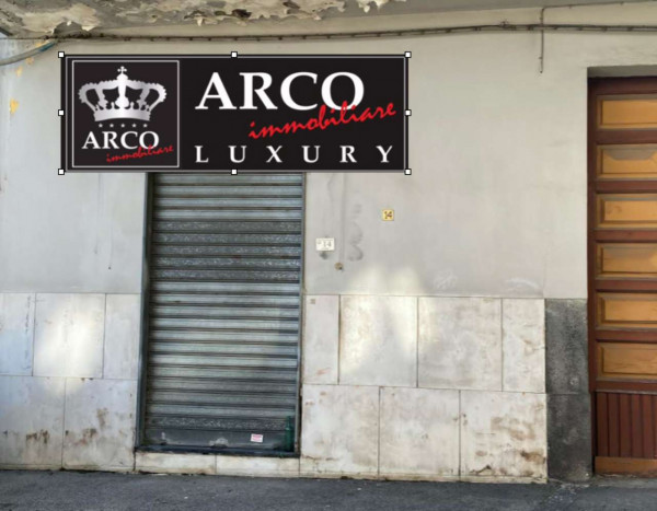 Locale Commerciale  in affitto a Sant'Anastasia, Centrale, Con giardino, 65 mq