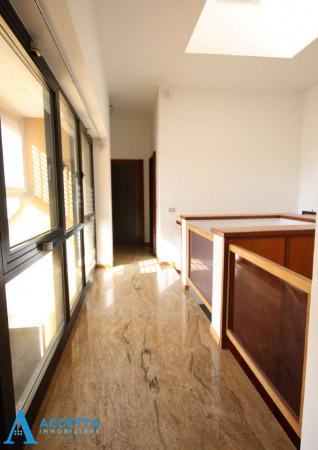 Villa in vendita a Taranto, Rione Laghi - Taranto 2, Con giardino, 446 mq - Foto 13
