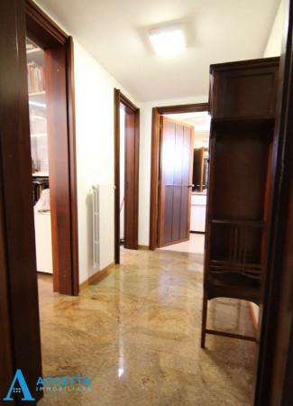 Villa in vendita a Taranto, Rione Laghi - Taranto 2, Con giardino, 446 mq - Foto 15