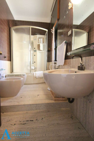 Villa in vendita a Taranto, Rione Laghi - Taranto 2, Con giardino, 446 mq - Foto 11