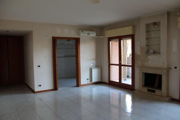 Appartamento in vendita a Roma, Acilia, Con giardino, 120 mq - Foto 1