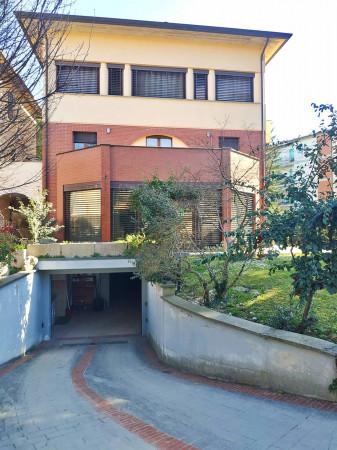 Appartamento in vendita a Città di Castello, Limitrofo Centro Storico, Con giardino, 510 mq - Foto 1
