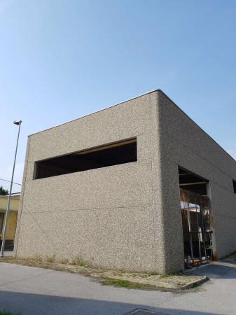 Capannone in vendita a Avigliana, Industriale, 480 mq