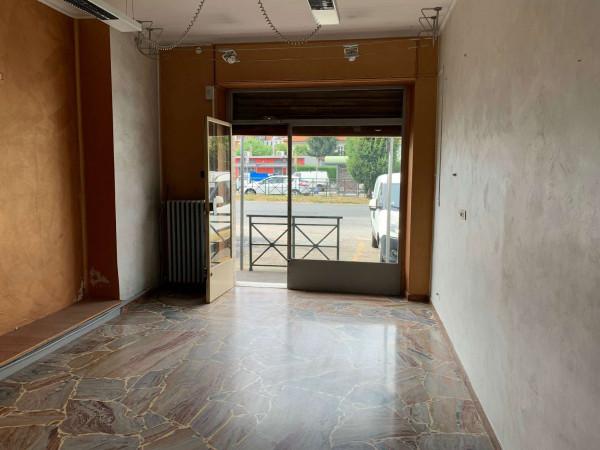 Locale Commerciale  in vendita a Rivoli, Cascine Vica, 132 mq