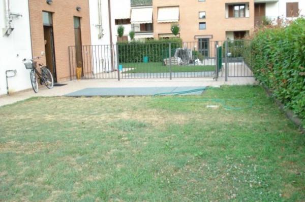 Appartamento in affitto a Caronno Pertusella, Arredato, con giardino, 35 mq