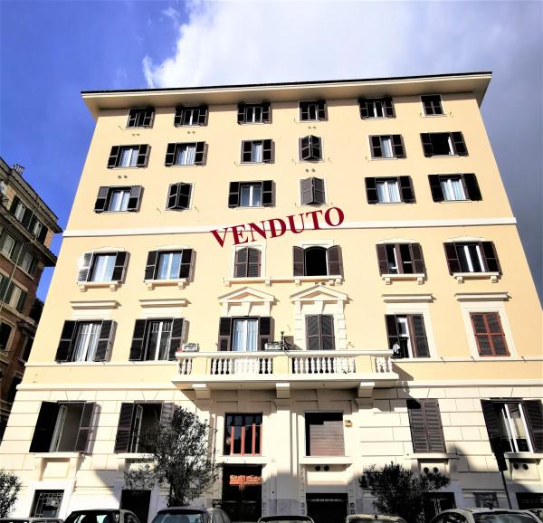 Bilocale in vendita a Roma, Re Di Roma, 65 mq