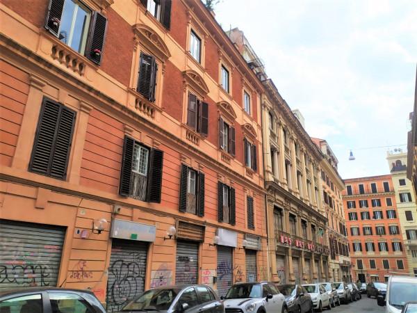 Locale Commerciale  in vendita a Roma, Piazza Vittorio, 95 mq