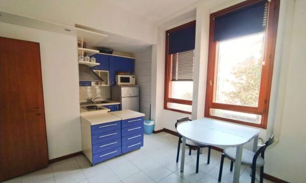 Appartamento in affitto a Milano, Repubblica, Arredato, 25 mq