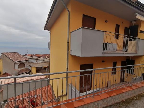 Appartamento in vendita a Ascea, Semicentro, 55 mq