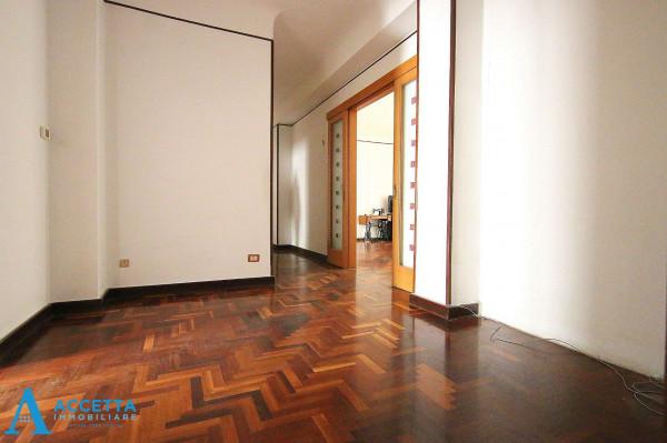 Appartamento in vendita a Taranto, Tre Carrare, Battisti, 105 mq