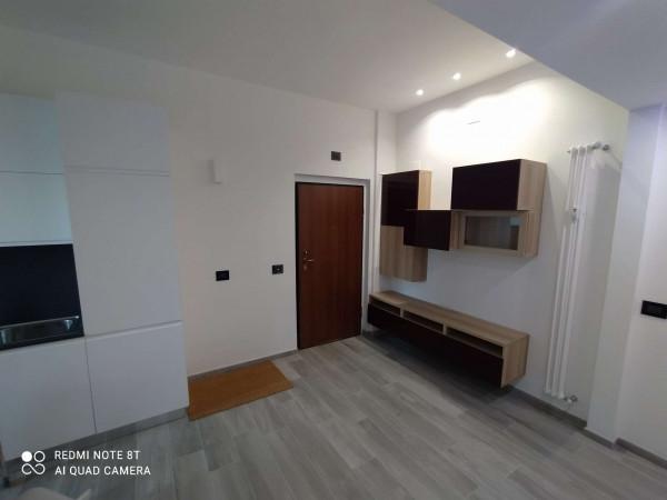 Appartamento in vendita a Milano, Corvetto, 69 mq