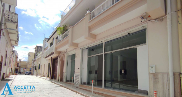 Locale Commerciale  in vendita a San Giorgio Ionico, 308 mq - Foto 3