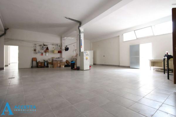 Locale Commerciale  in vendita a San Giorgio Ionico, 308 mq - Foto 9