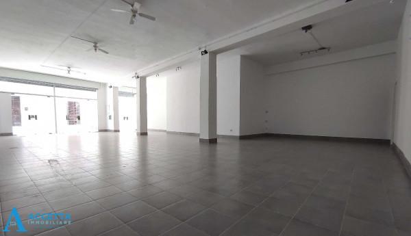 Locale Commerciale  in vendita a San Giorgio Ionico, 308 mq - Foto 19