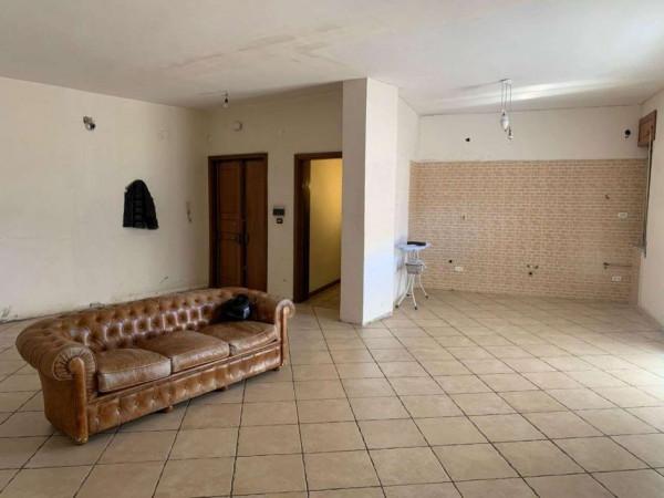 Appartamento in vendita a Sant'Anastasia, Centrale, 120 mq