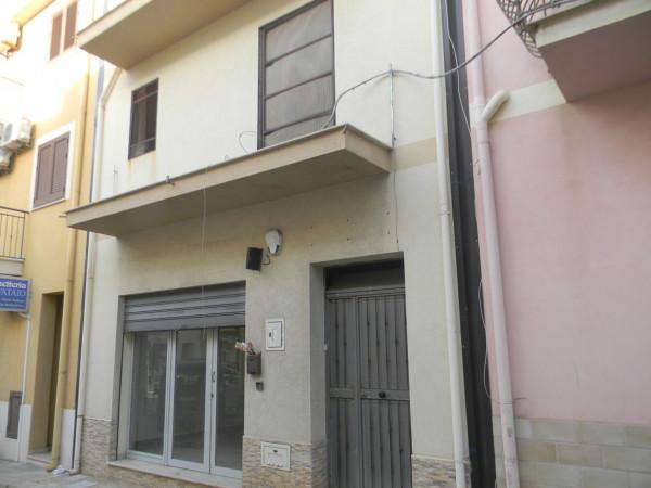 Casa indipendente in vendita a Balestrate, Balestrate Centro, 300 mq