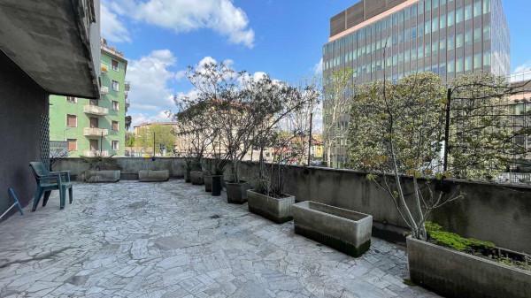 Appartamento in vendita a Milano, Isola, 150 mq