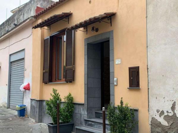 Appartamento in vendita a Sant'Anastasia, Centrale, 80 mq
