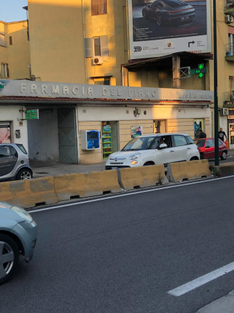 Locale Commerciale  in vendita a Napoli, Agnano, 600 mq - Foto 2