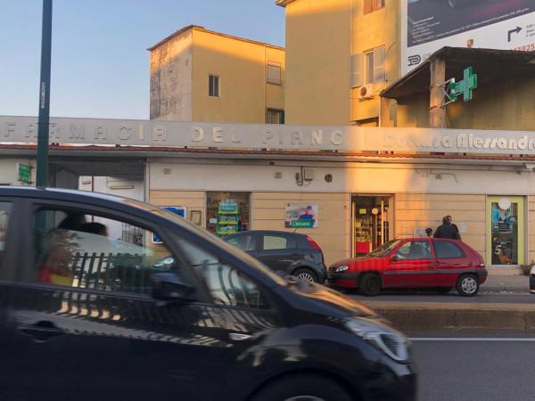 Locale Commerciale  in vendita a Napoli, Agnano, 600 mq - Foto 4