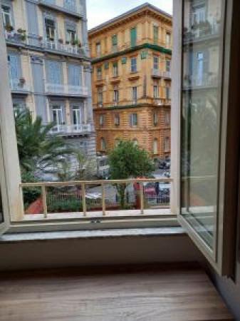 Appartamento in affitto a Napoli, Chiaia, 35 mq