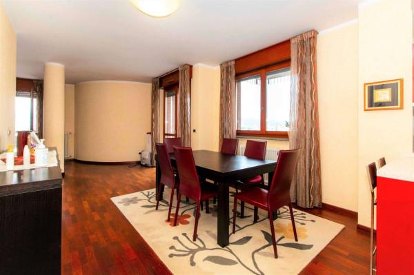 Appartamento in vendita a Torino, Arredato, con giardino, 167 mq