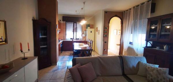 Villa in vendita a Spino d'Adda, Residenziale, Con giardino, 181 mq