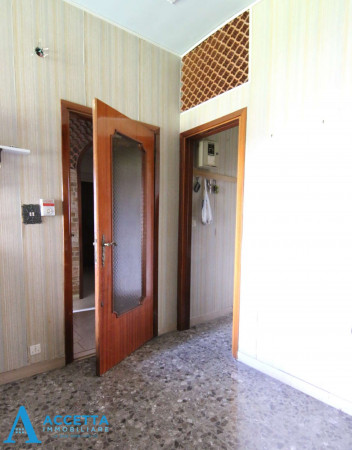 Appartamento in vendita a Taranto, Rione Italia, Montegranaro, 125 mq - Foto 9