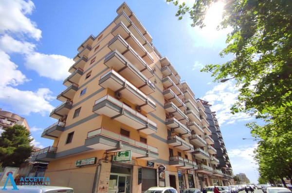 Appartamento in vendita a Taranto, Rione Italia, Montegranaro, 125 mq