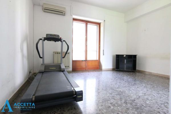 Appartamento in vendita a Taranto, Rione Italia, Montegranaro, 125 mq - Foto 8