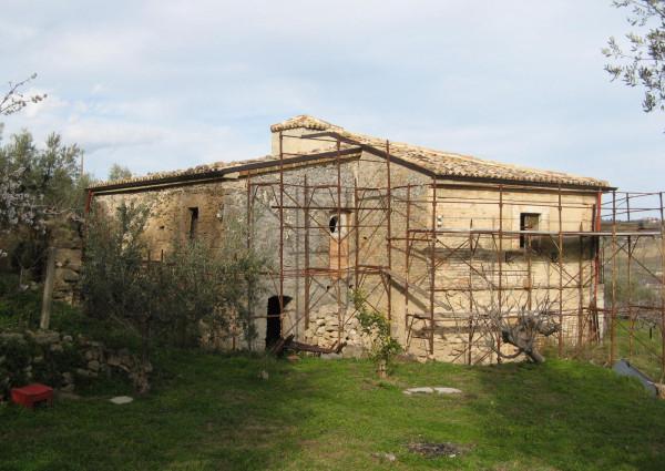 Casa indipendente in vendita a Tocco da Casauria, Contrada, Con giardino, 140 mq
